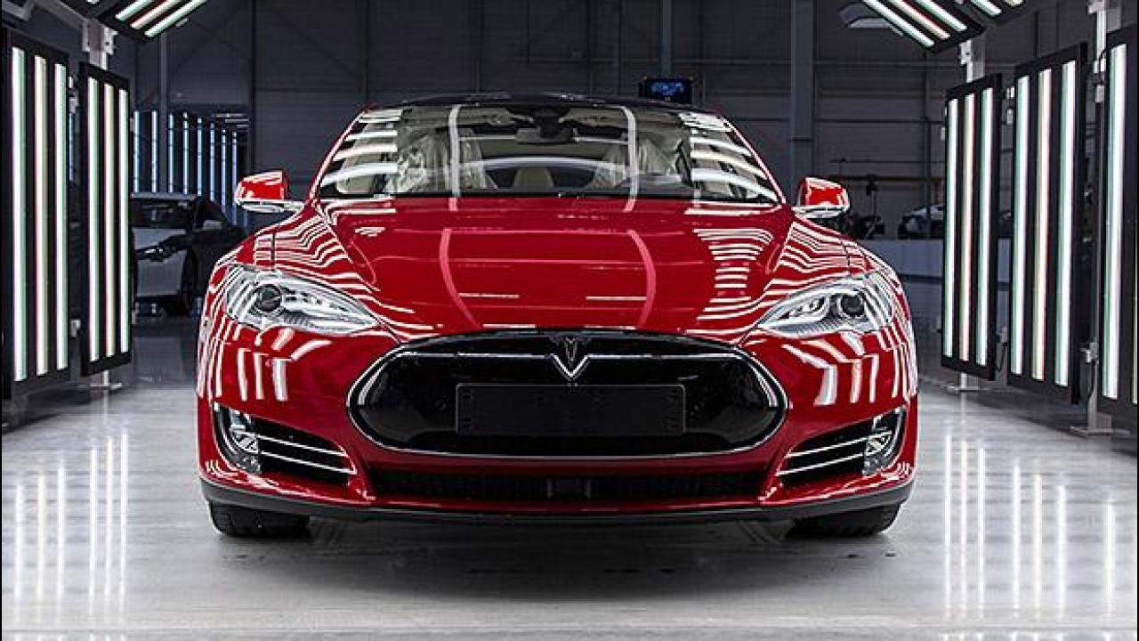 [Copertina] - Tesla raddoppia la produzione a Tilburg
