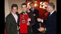 Luis Agullo Spottorno e Felix Hiller, autori del progetto Millechili, premiati da Piero Ferrari