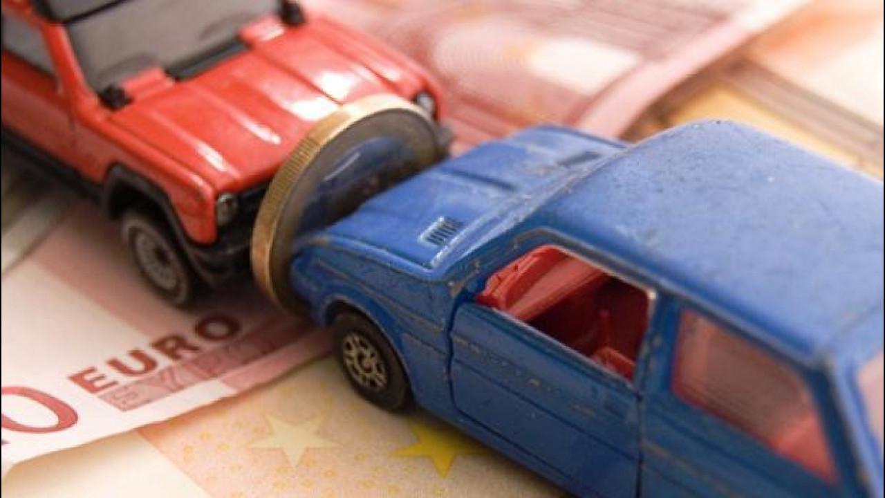 [Copertina] - Rc auto, tariffe in calo in tutta Italia