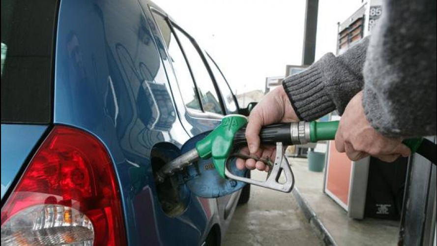 [Copertina] - Prezzi benzina, giù nonostante l'IVA al 22%