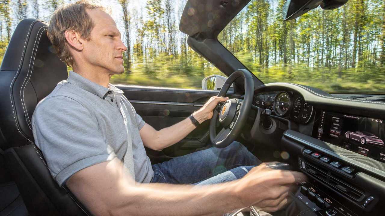 Йорг Бергмайстер Porsche 911 Carrera S MT
