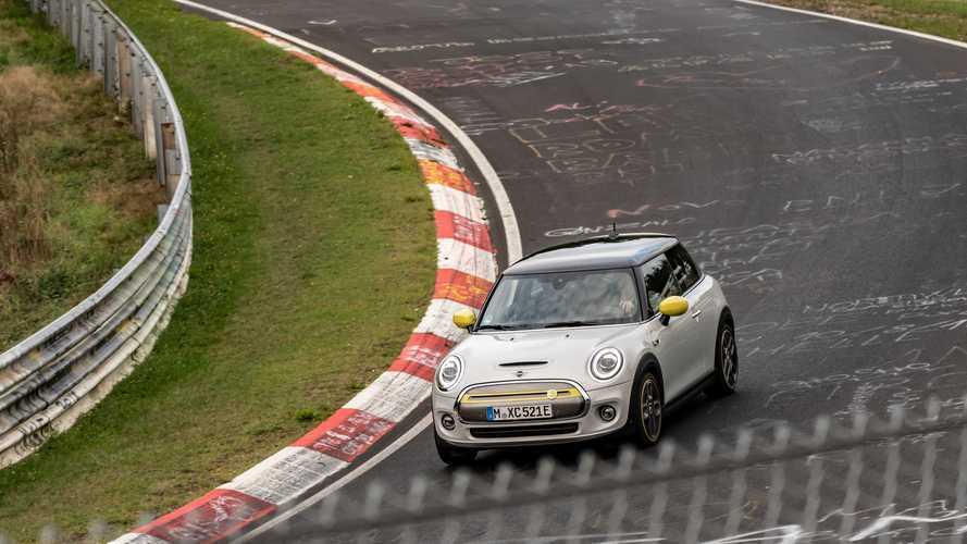 El MINI Cooper SE se pasea por Nürburgring... sin ruido ni emisiones