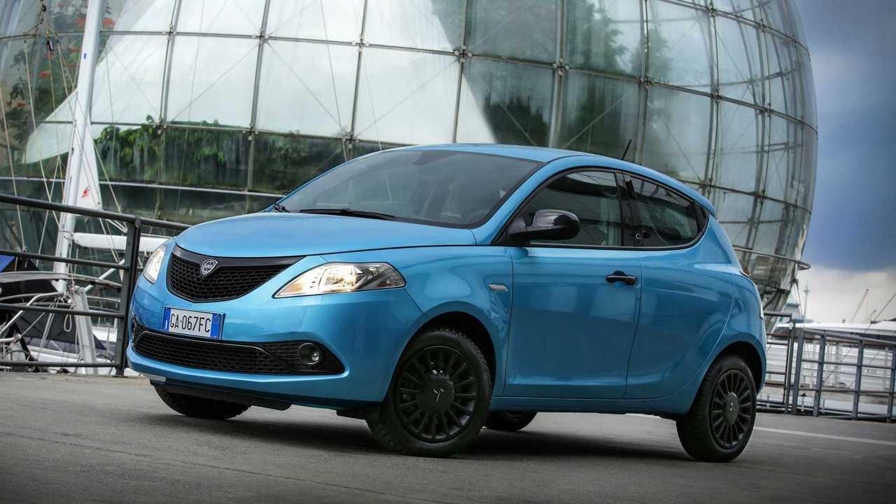 Lancia Ypsilon Hybrid Silver - 8.450 euro
