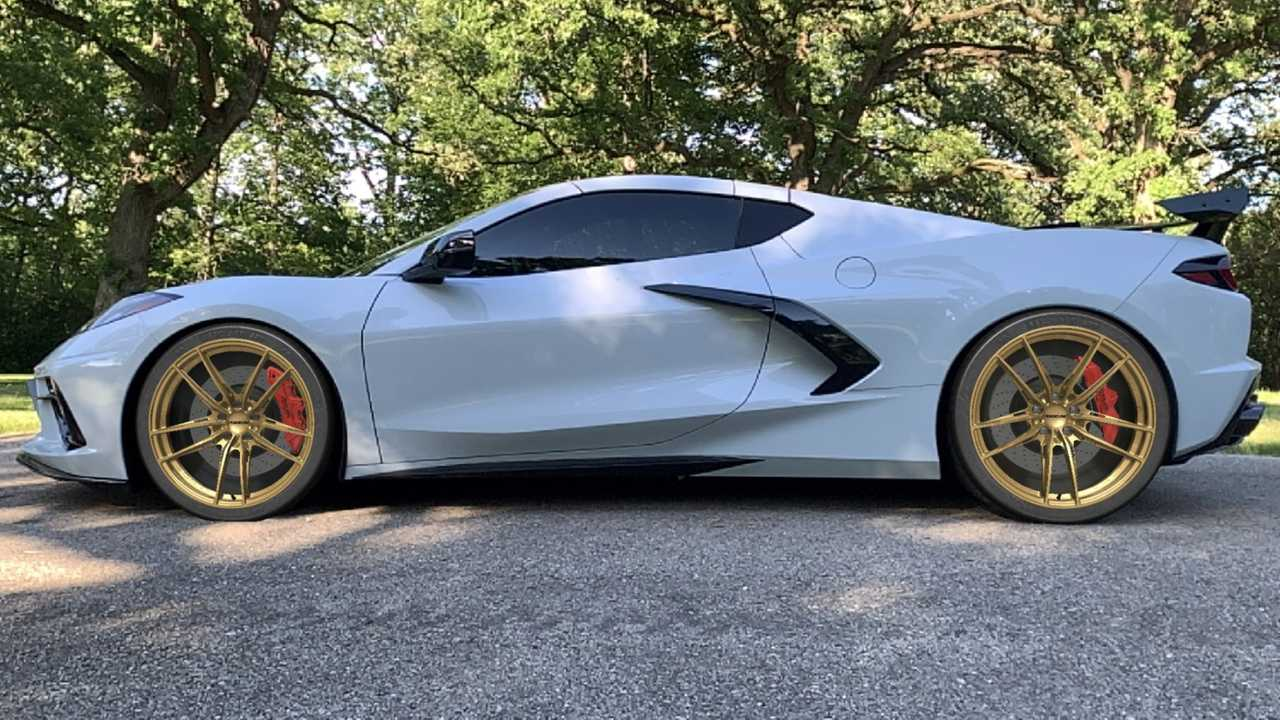 This App lets you see any Wheels on any Car in 3D
