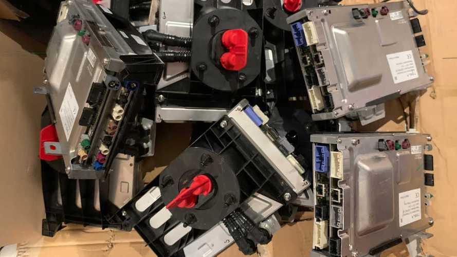 D'anciens ordinateurs de bord Tesla volés avec les données personnelles de clients