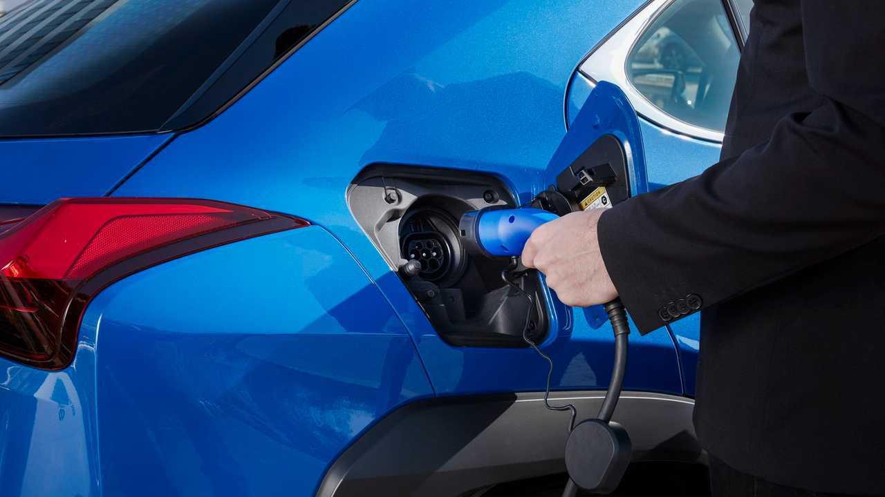 2020 Lexus UX 300e charging