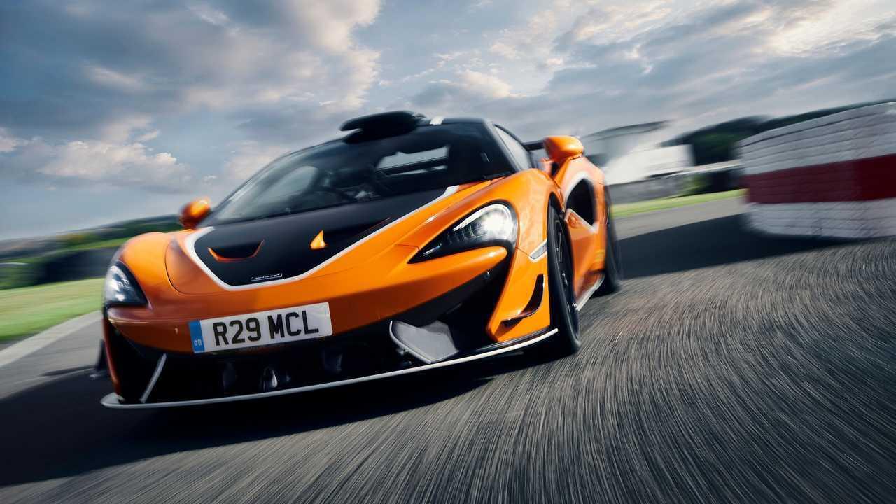 McLaren 620R 2020 movimiento delantero