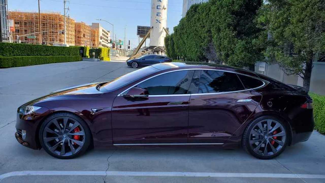 Tesla Model S color Deep Crimson