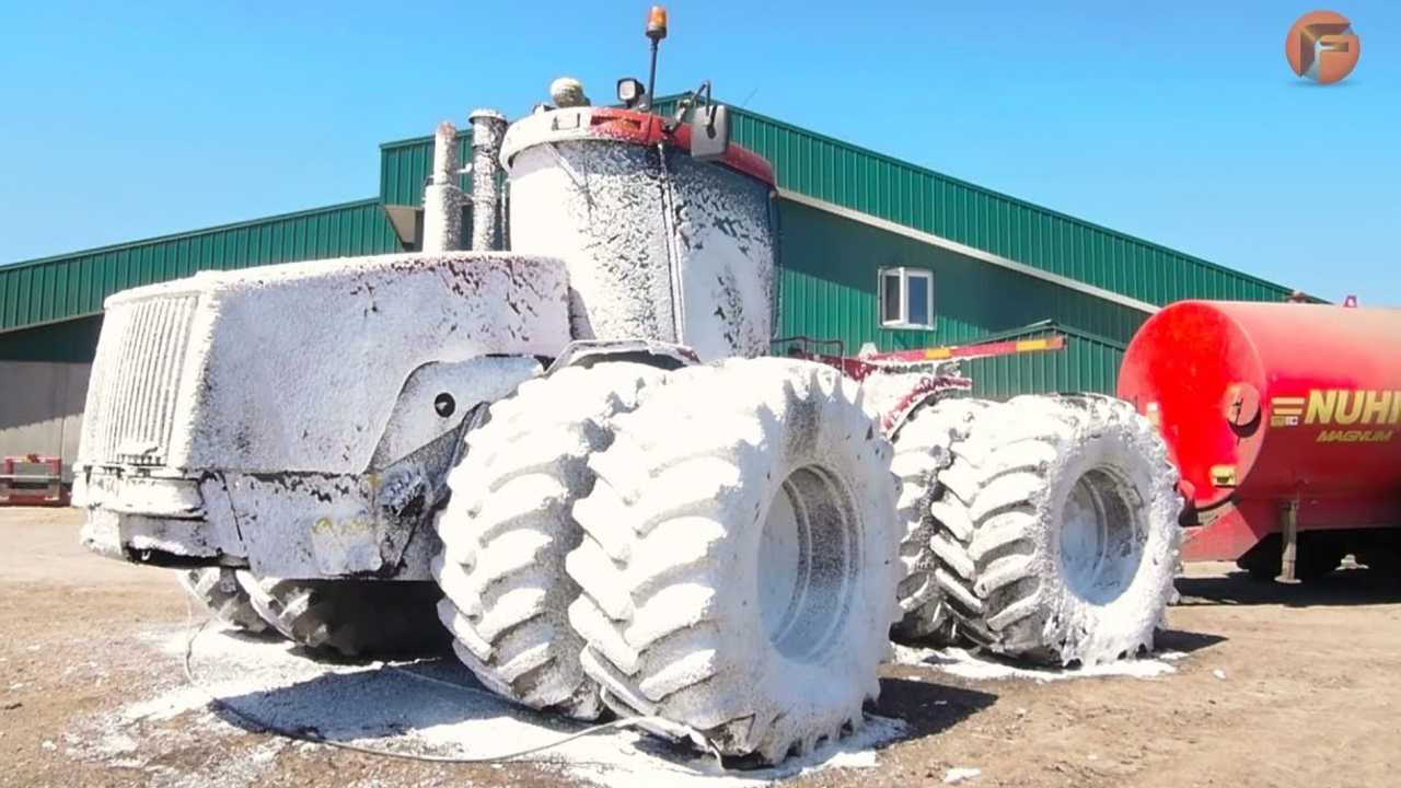 How The World's Largest Vehicles Are Cleaned