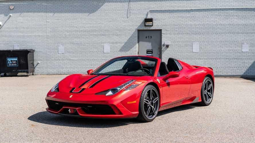 Majdnem 150 millió forintért kelt el egy példány az utolsó szívómotoros V8-as Ferrariból