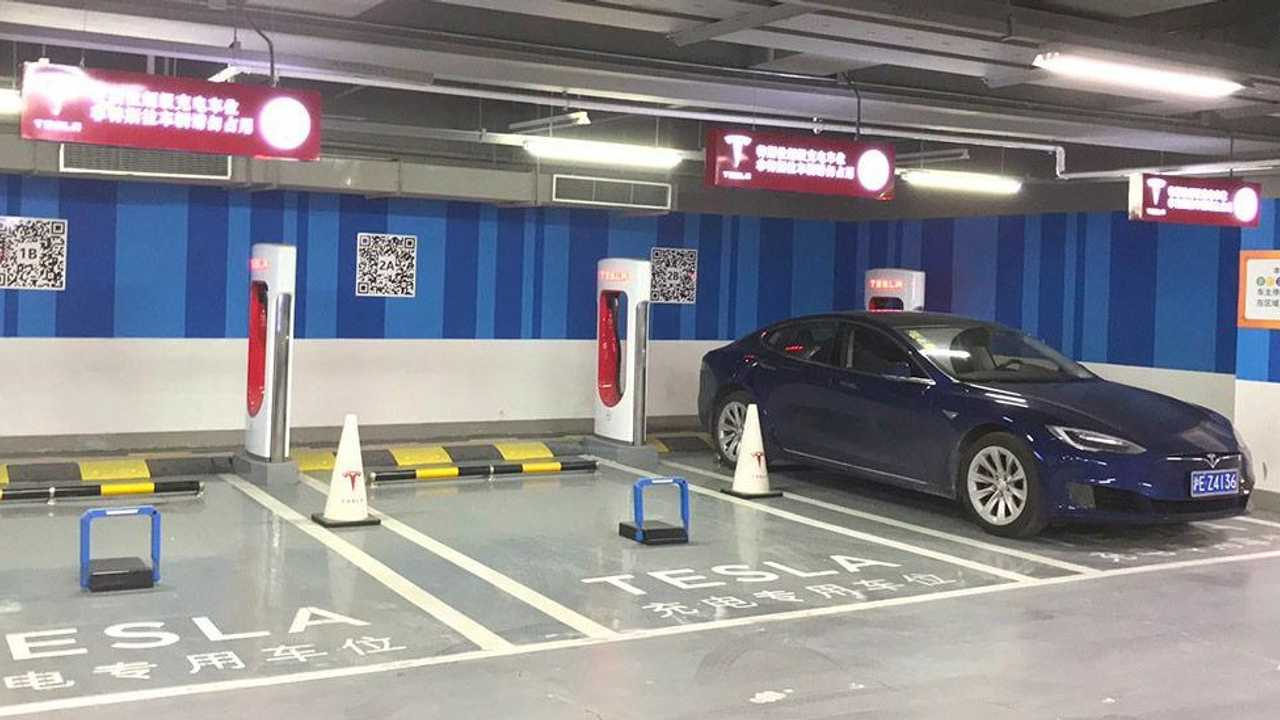 Chinese car park has solution for ICEing