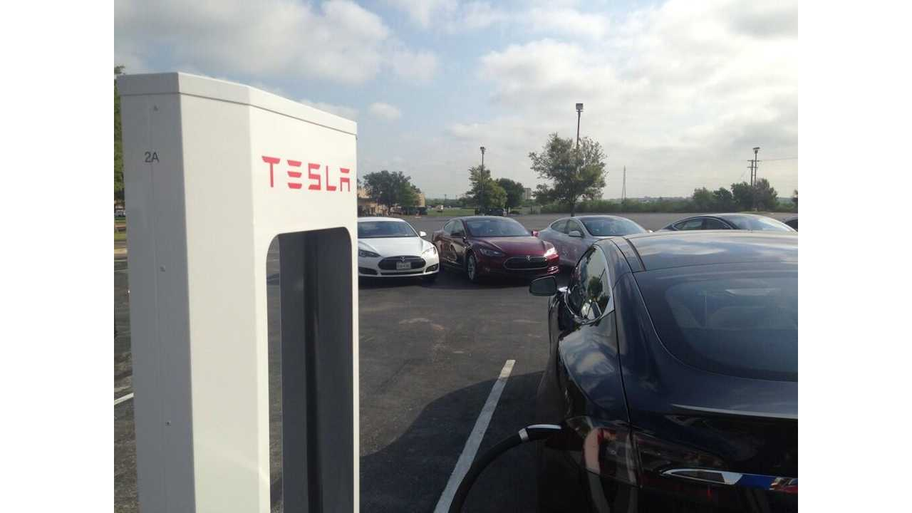 Tesla Opens First Supercharger Station in Texas