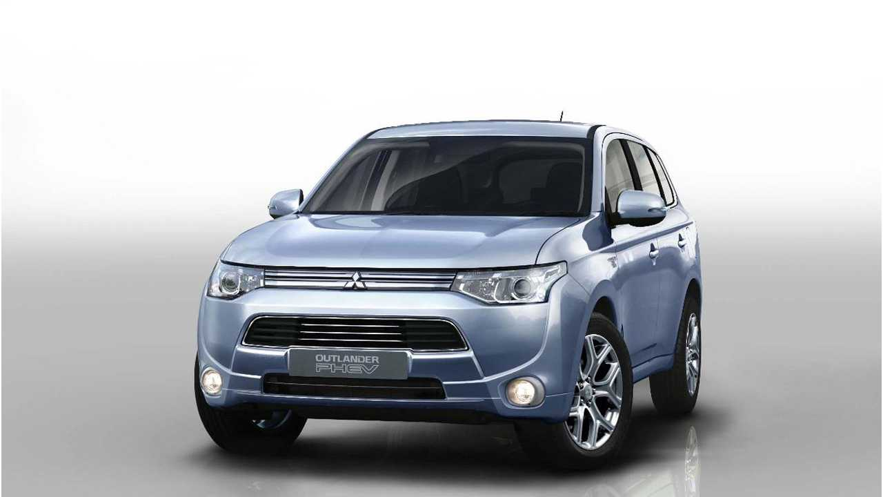 Outlander PHEV US Launch Pushed Back to 2015