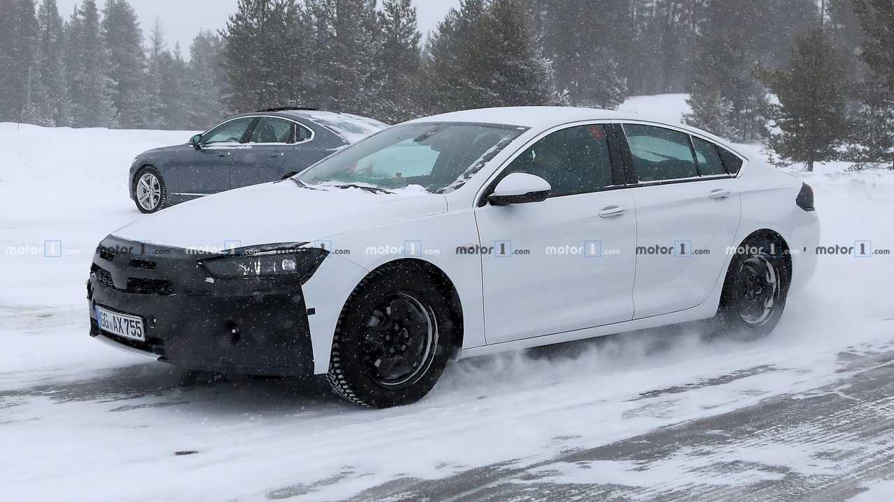 Opel Insignia new spy photo