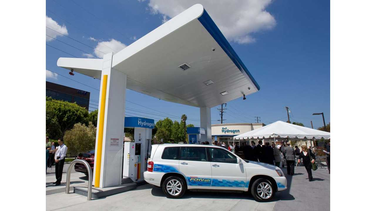 Toyota-Shell-Hydrogen-Station