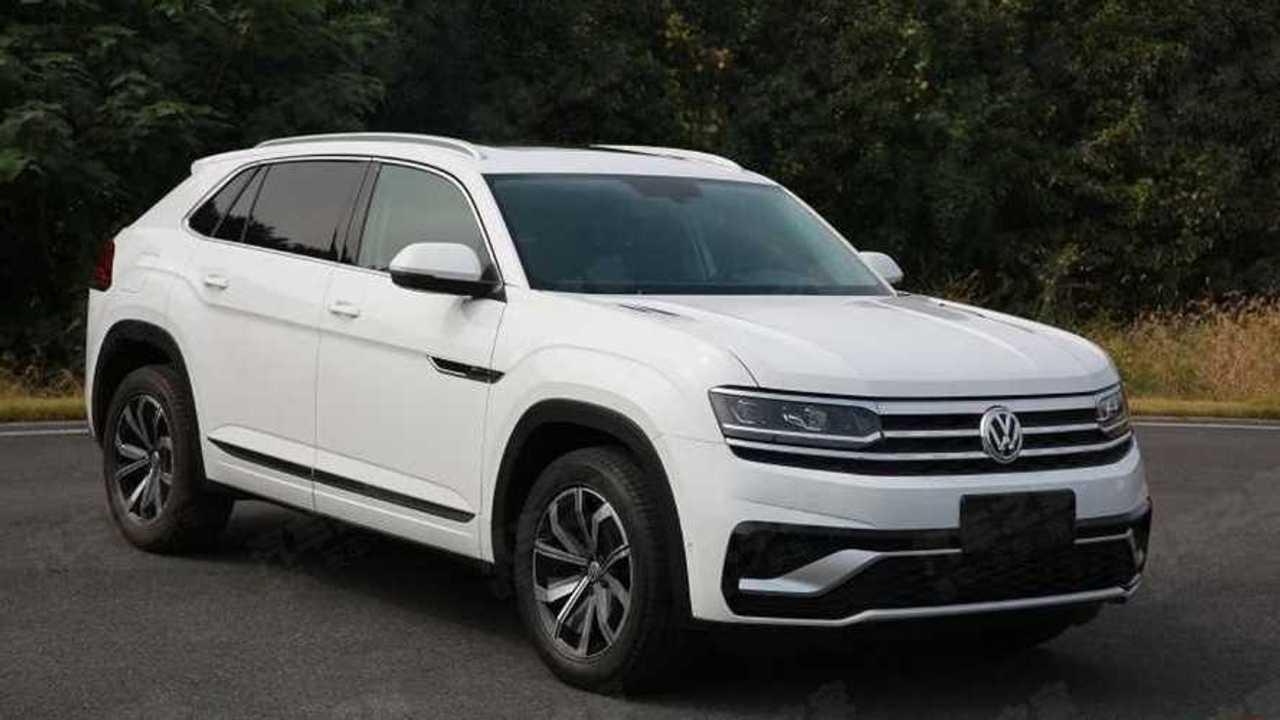 Volkswagen Atlas Cross Sport - Flagra