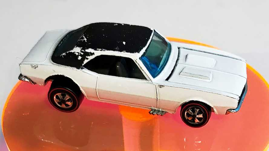 Rare White Enamel Chevy Camaro Redline Hot Wheels