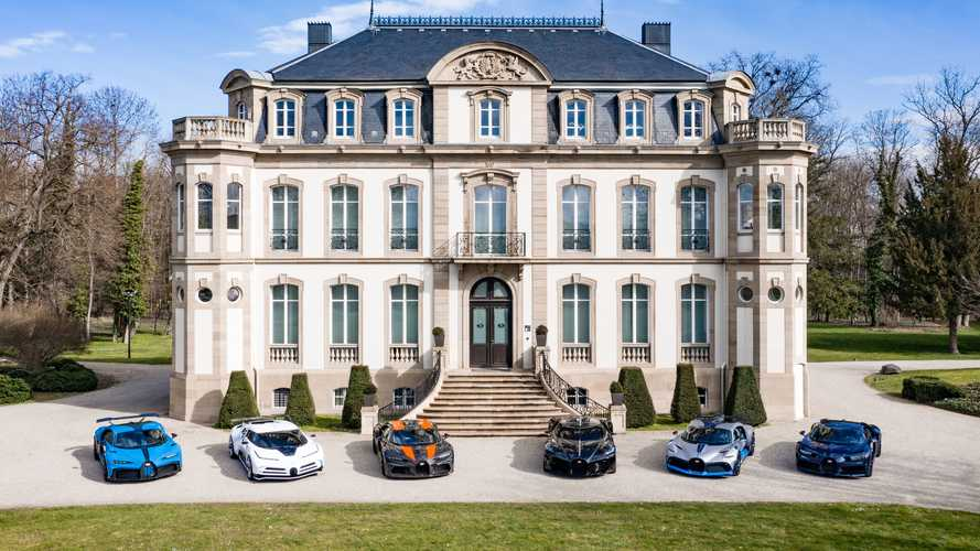 La gama Bugatti, en una espectacular imagen de 33 millones de euros