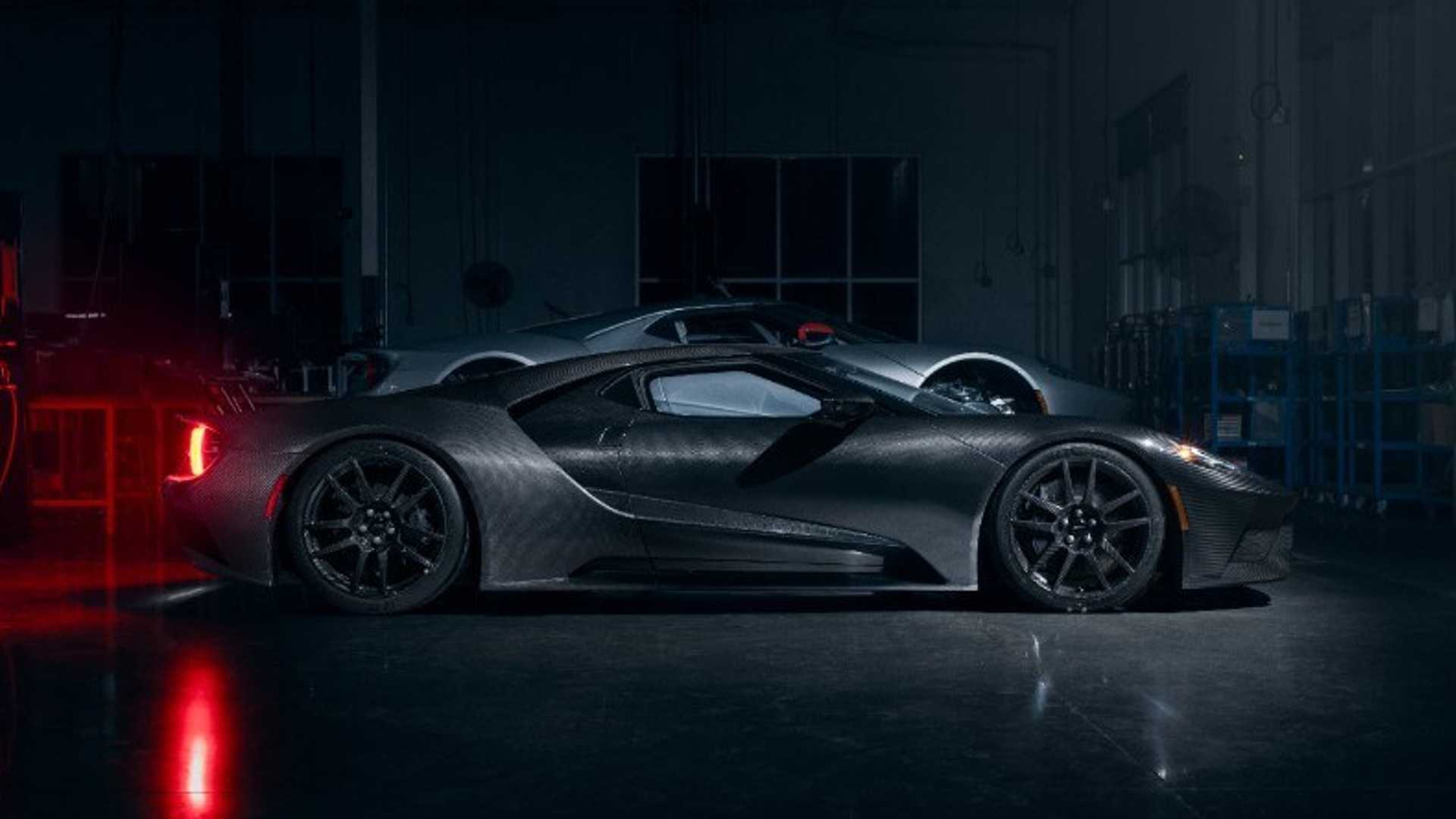 """[""""2020 Ford GT Adds More Power, Style""""]"""