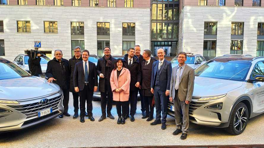 Auto a idrogeno, Bolzano allarga la sua flotta con 10 Hyundai Nexo