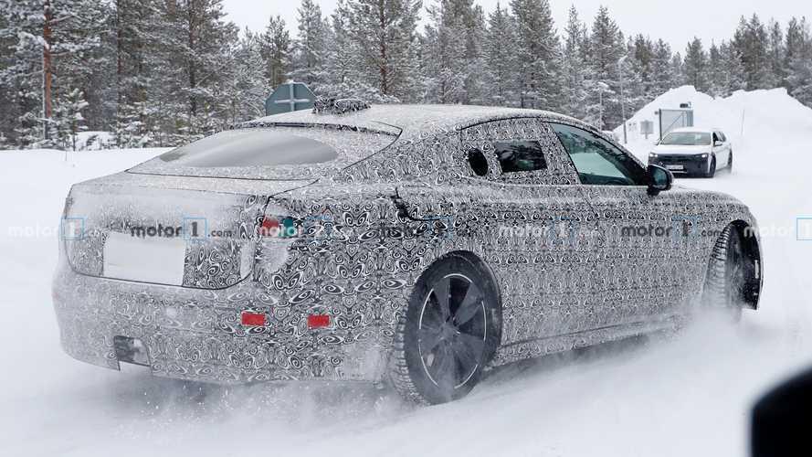Новый электрический Jaguar XJ сняли в серийном кузове