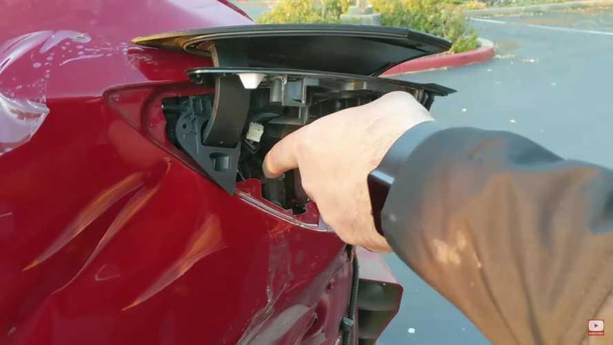 Ötmillió forintért kelt el a múlt héten bemutatott, rommá tört Tesla Model 3
