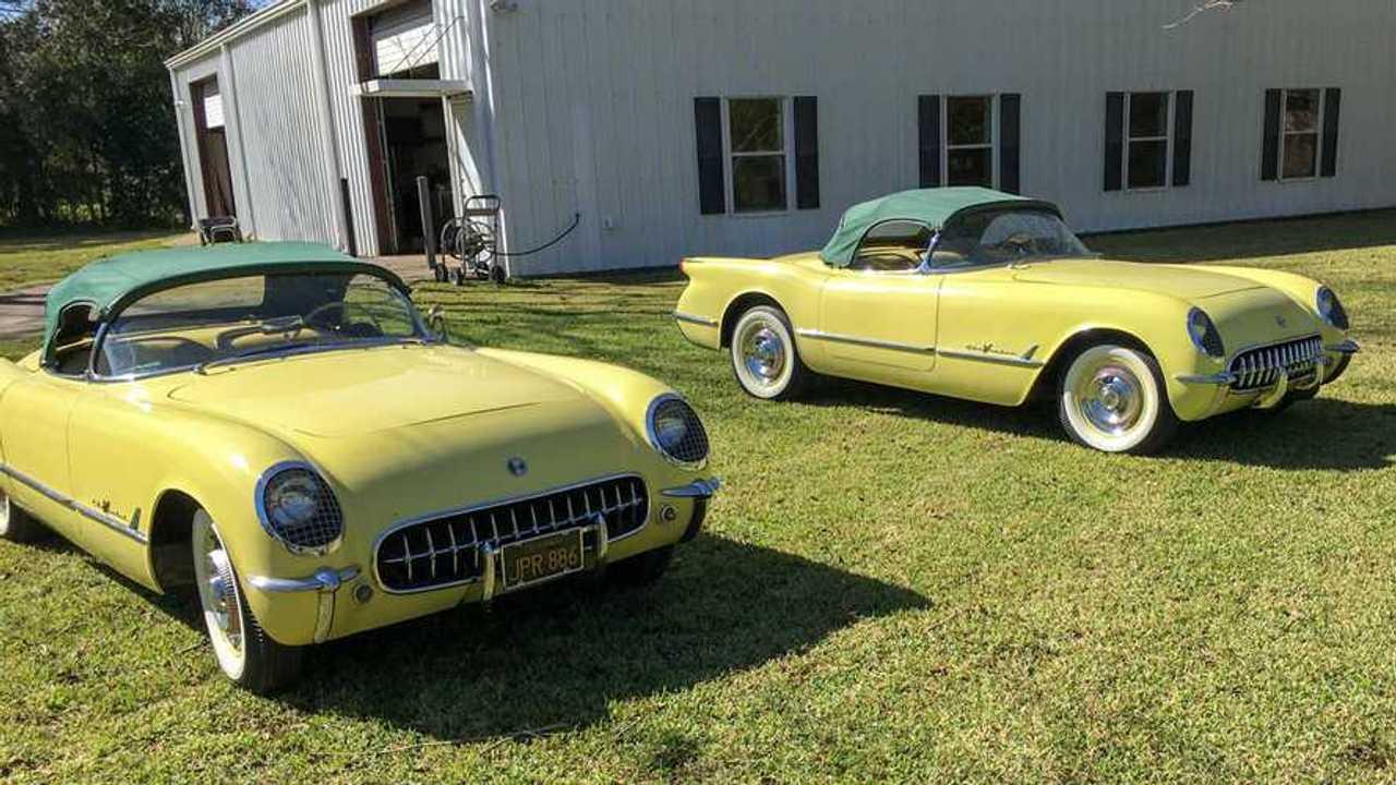 Identical, Consecutive-VIN \'55 Corvettes Make a Nice Pair