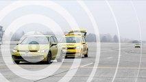 ADAC testet C2X-Technik im VW Golf