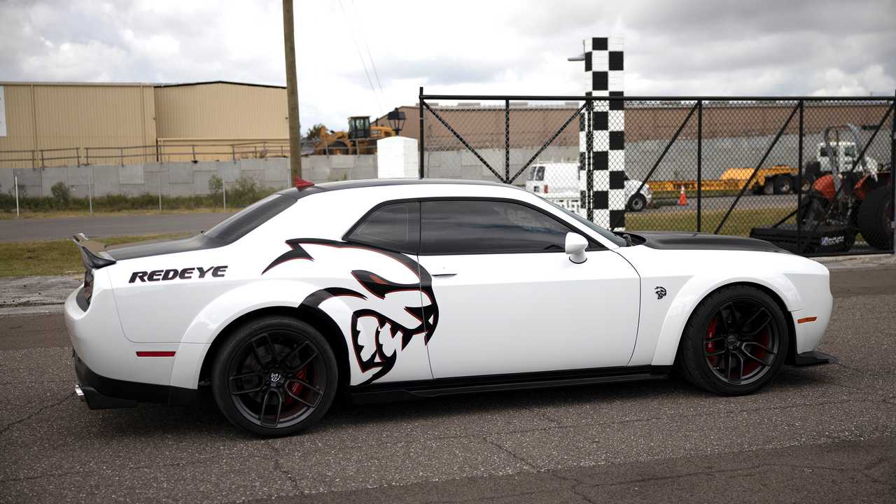 Last Day To Enter To Win This 1 000 Hp Challenger Hellcat Redeye