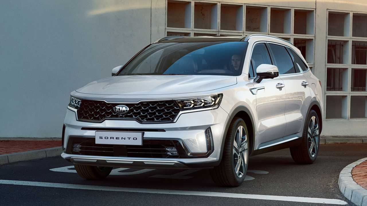 Kia reveals Sorento SUV photos: exterior and interior