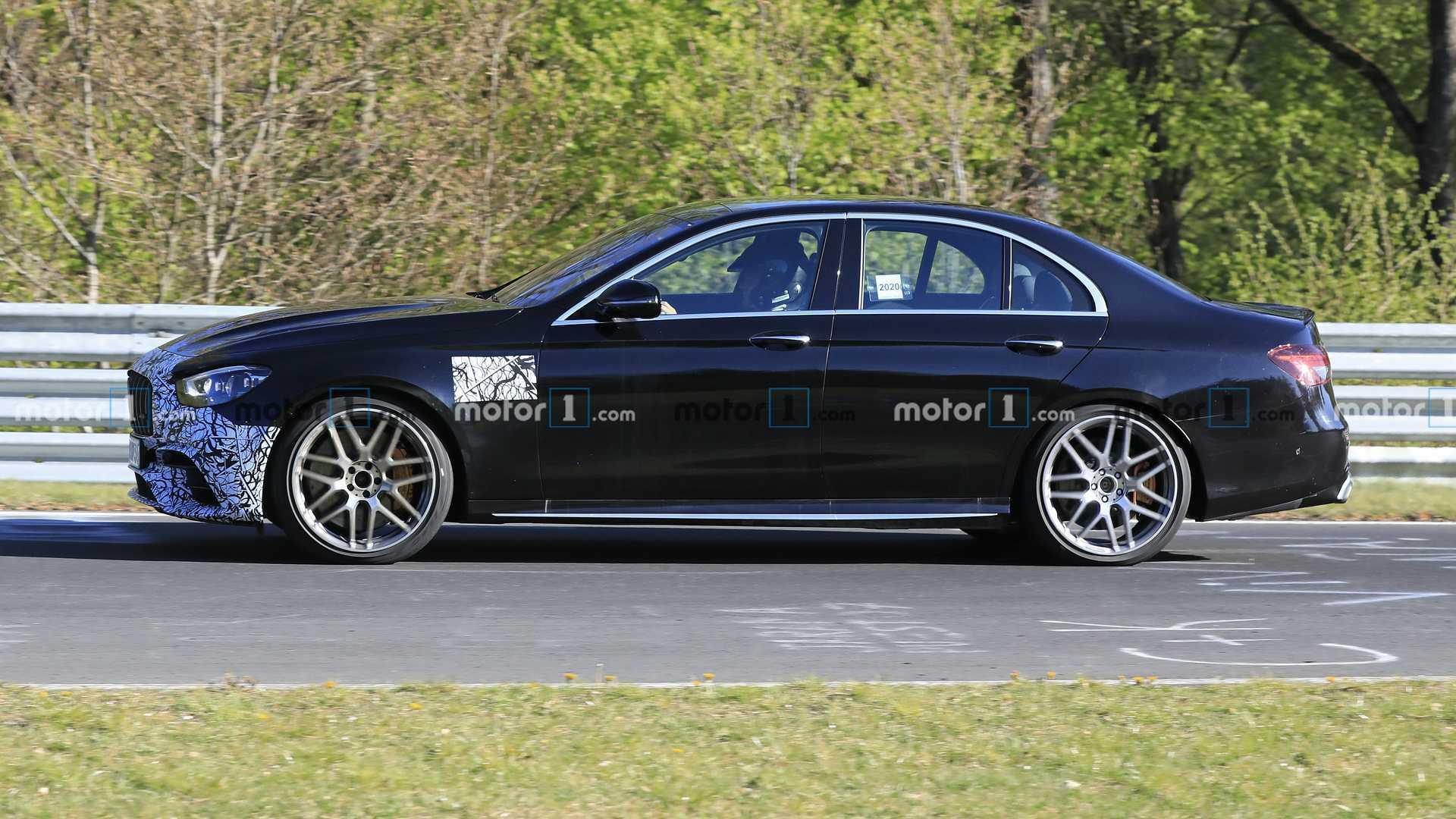 2020 - [Mercedes-Benz] Classe E restylée  - Page 6 2021-mercedes-amg-e63-sedan-facelift-spy-photo