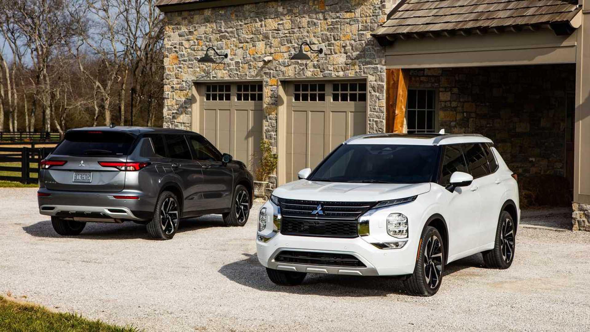 Новый Mitsubishi Outlander будет продаваться вместе со старой моделью PHEV