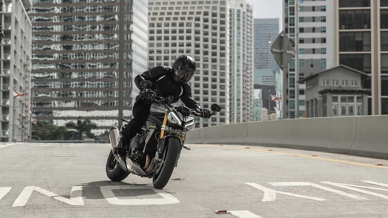2021 Triumph Speed Triple 1200 RS, Action, City, Skid