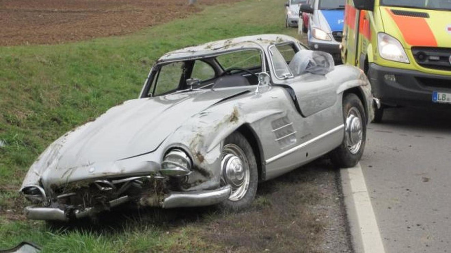 Mercedes-Benz 300SL Gullwing crashed, costs 650,000 EUR to repair