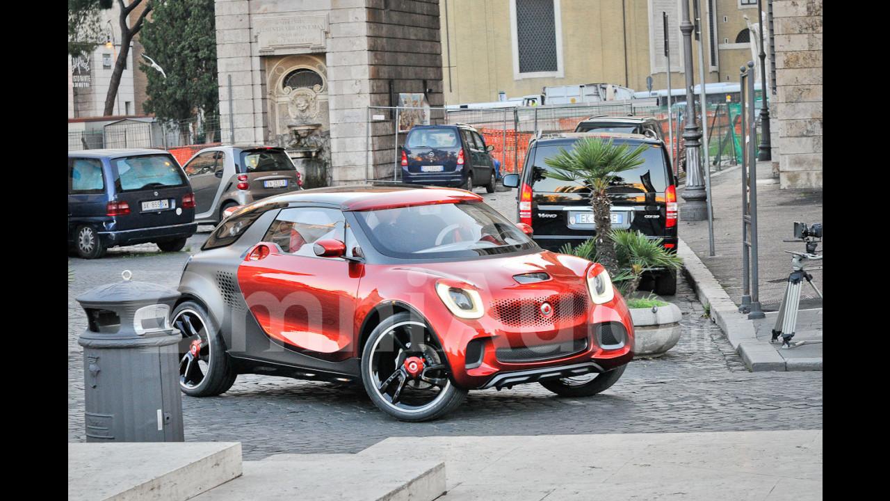 smart forstars, foto spia esclusive a Roma