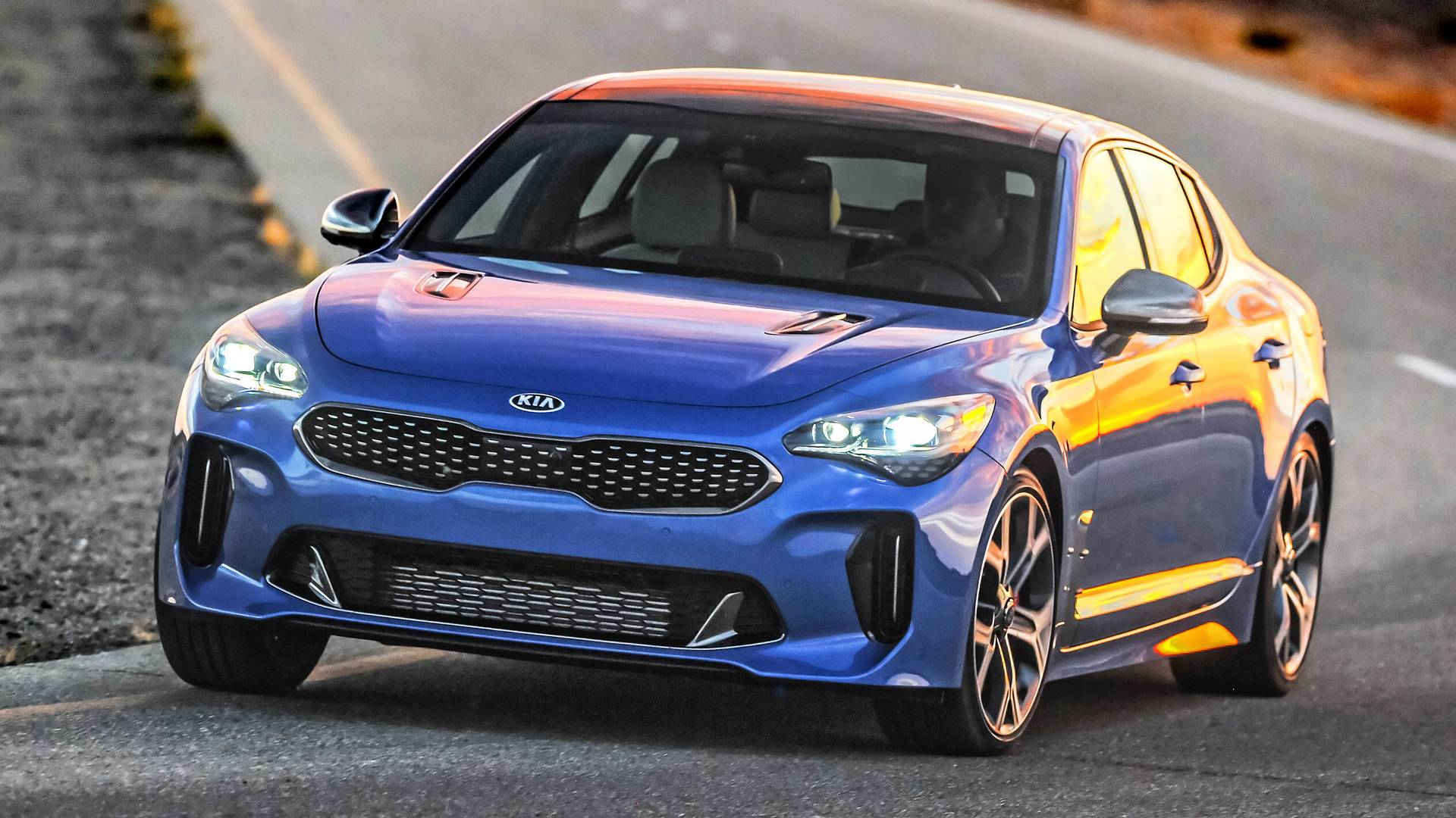 Most Expensive 2018 Kia Stinger Costs 53 965