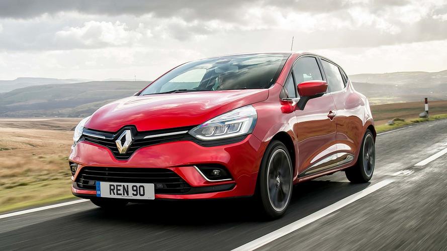 Renault Clio Ini Dipasang Roda Tank, Berhasil tapi Tak Bisa Belok
