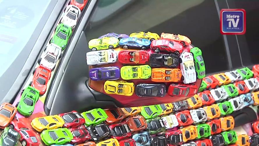 Jaguar S-Type Miniatures
