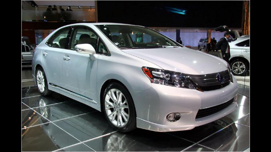 Lexus präsentiert Einstiegs-Mittelklässler mit Hybridantrieb