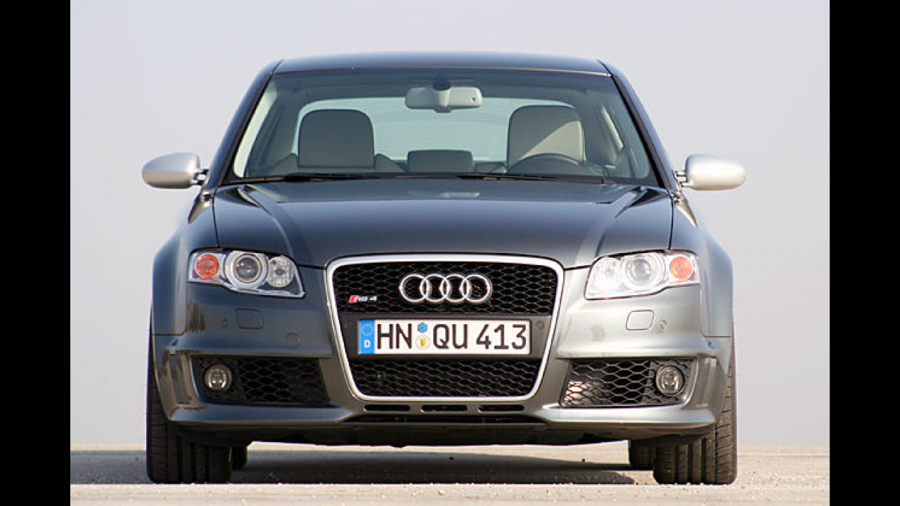 Audi RS4: Limo mit Schuss