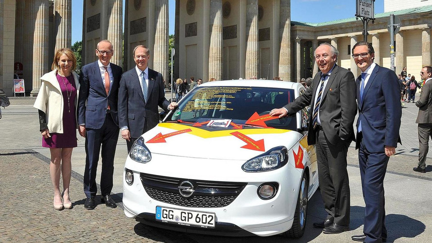 Opel highlights the difficulties of exporting the Adam to America