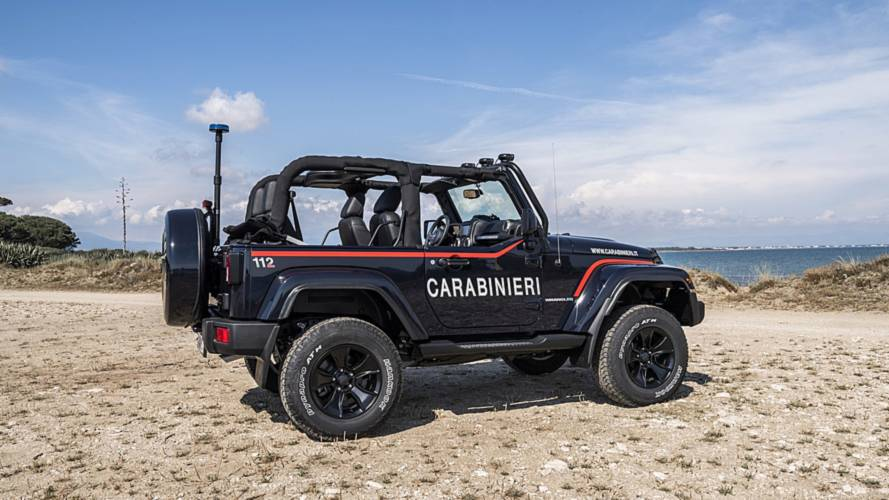 italian police keep beaches safe with this custom jeep wrangler. Black Bedroom Furniture Sets. Home Design Ideas
