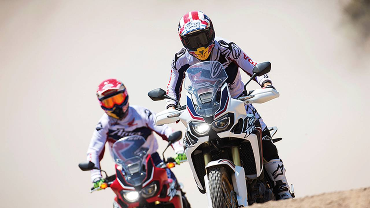 Watch Two Honda Racers Get Big Air on the 2016 Honda CRF1000L Africa Twin