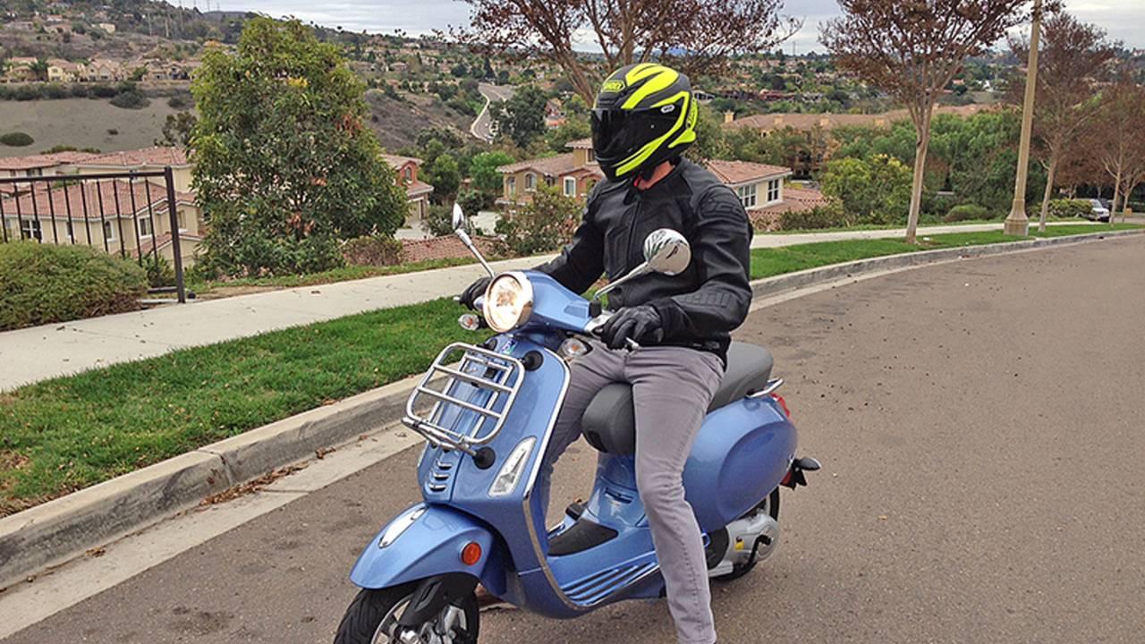 Don't Fear the Scooter - 2015 Vespa Primavera 150 Review
