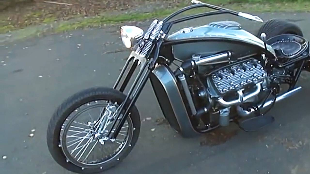 Harley Davidson: Ford Flathead V8 Powered Trike