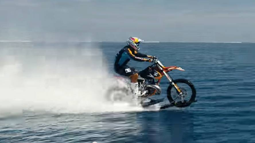 VIDEO: Robbie Maddison Surfing On A Motorcycle