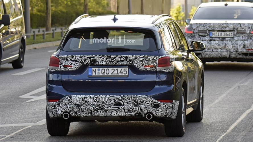 BMW X1 facelift spy photos
