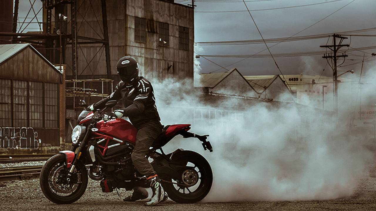 2016 Ducati Monster 1200 R – Review