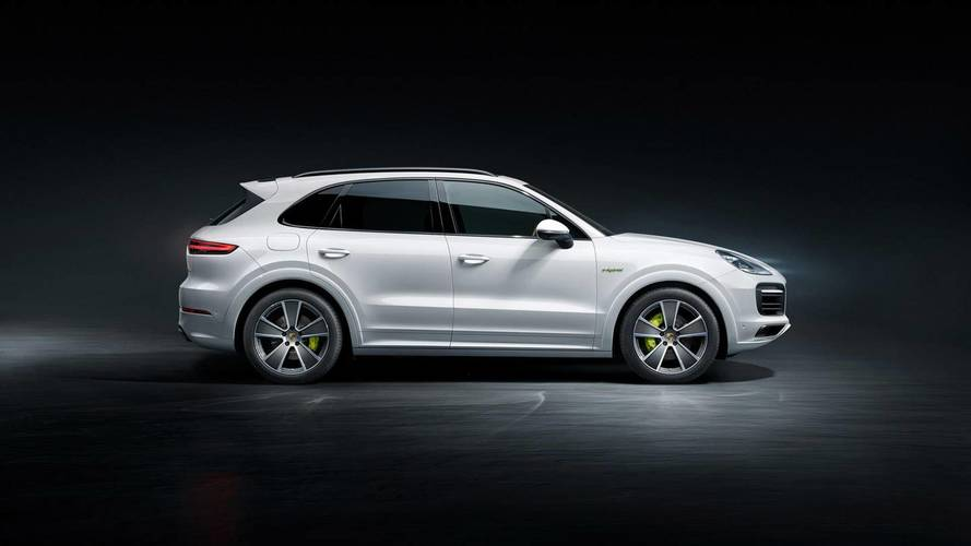 Discover The Porsche Cayenne E-Hybrid In 40+ Minutes Of Footage