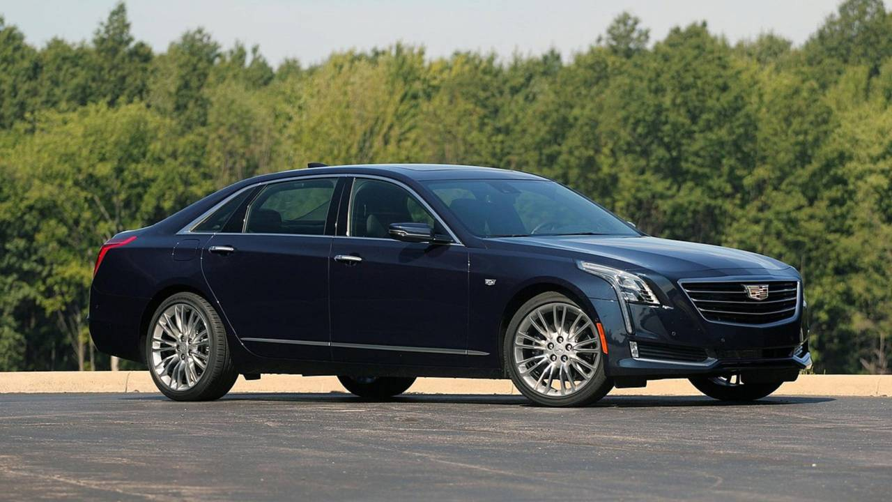 14.- Cadillac CT6 PHEV